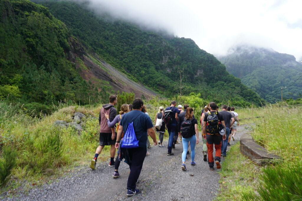 Starting the Chão da Ribeira hike